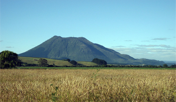 Mt. Putuaki (Edgecumbe)